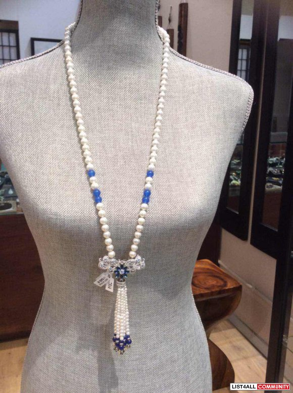 Mother of Pearl long necklace