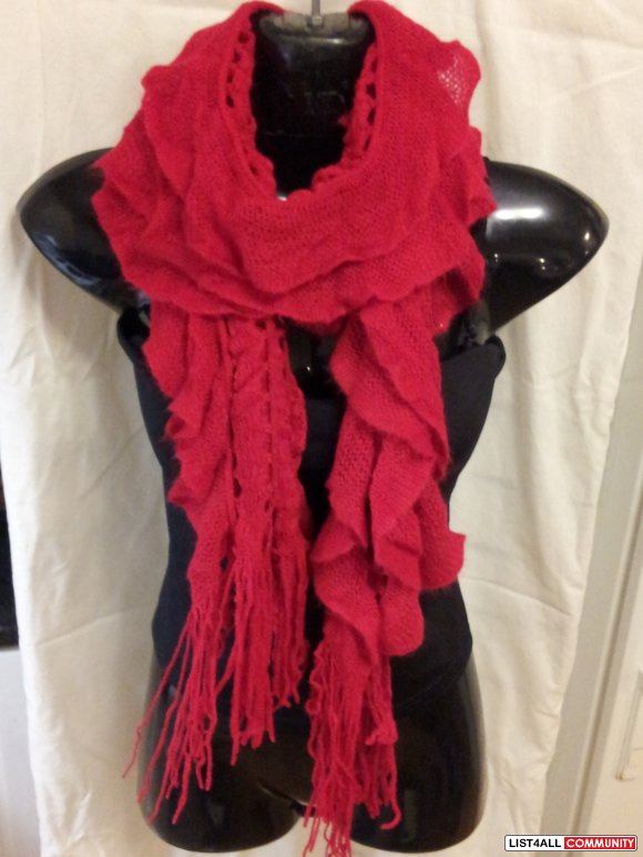 Brand New Very Pretty Frilly Chrochet Scarf
