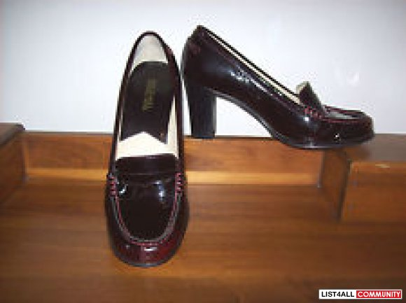 MICHAEL KORS MAROON PATENT LOAFER PUMPS