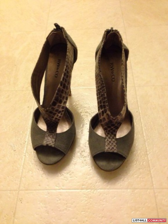Brand new grey suede strap, snake print pumps, Sz 6.5