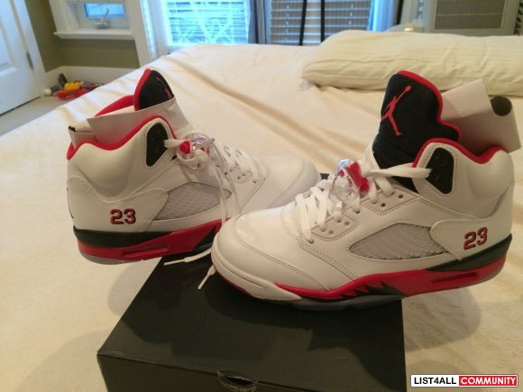 BNIB Men's Retro Nike Air Jordan 5's Fire Red Sz. 8