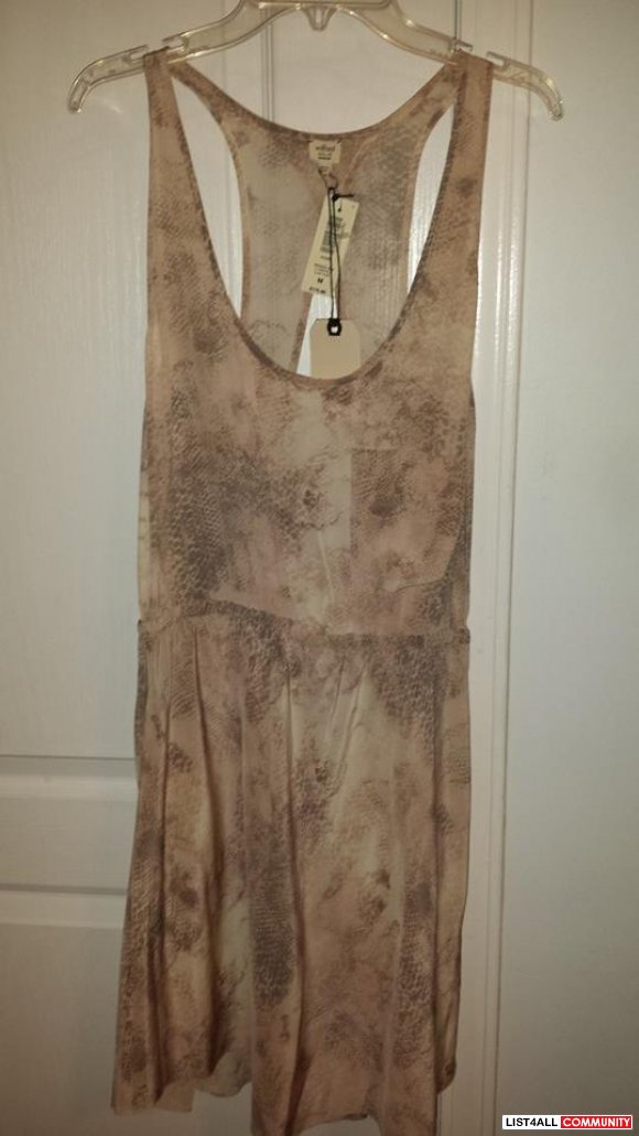 BNWT Aritzia Wilfred Dress