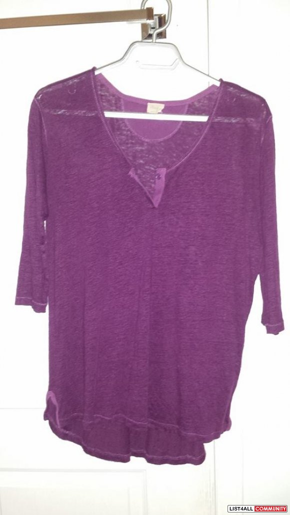 Aritzia Wilfred Free Loose Henley