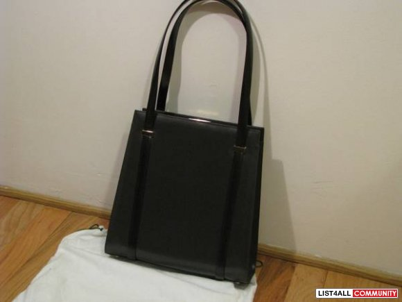 Authentic Gucci Charcoal Sleek Leather Bag - $399