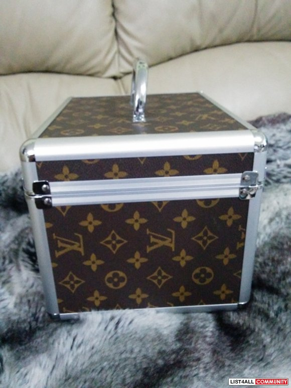 LV cosmetic box