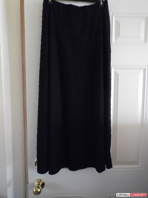 Black skirt -new