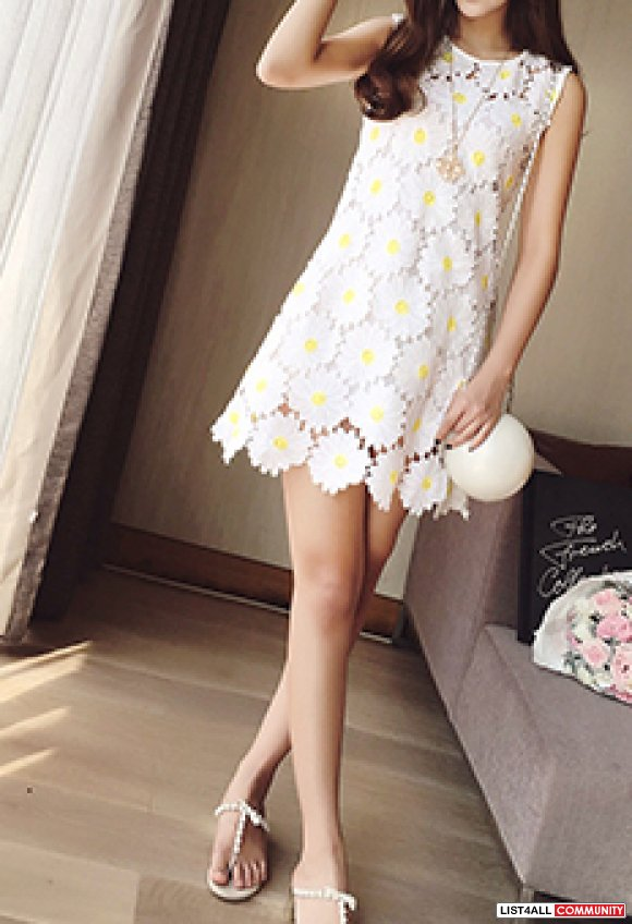 Loose Fit Daisy Dress