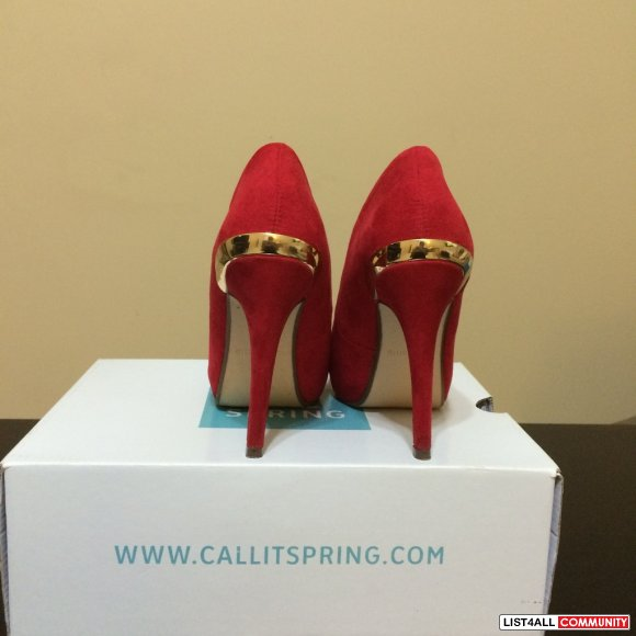 Call it Spring pumps size 6.5
