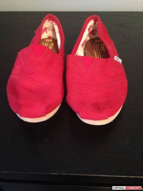 Ladies Red Toms