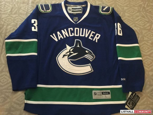 Canucks Hockey Jersey- Hansen BNWT