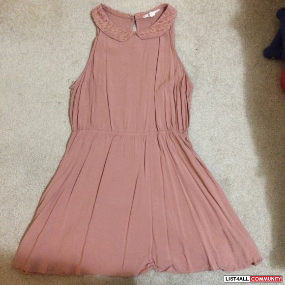 Forever 21 - Size L, fits S-M - Laced Peter Pan Pink Collar Dress