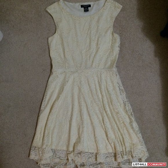 No brand - Size M - Cream laced dress