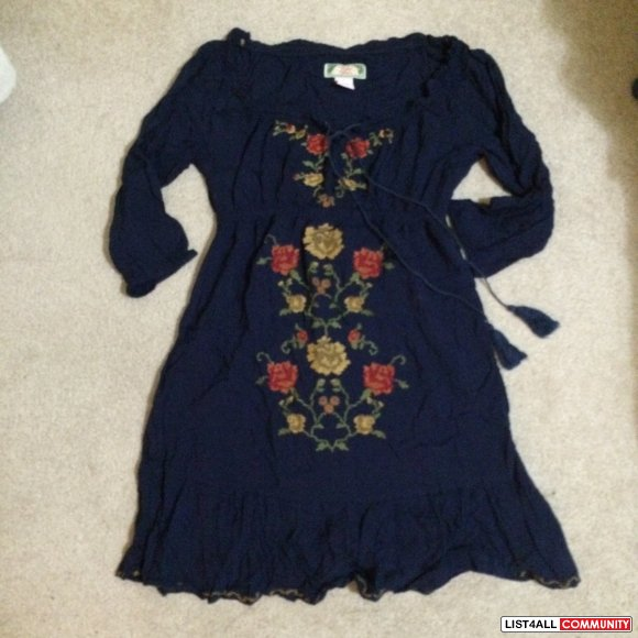 No brand - Size S - Flower embroidered Navy dress