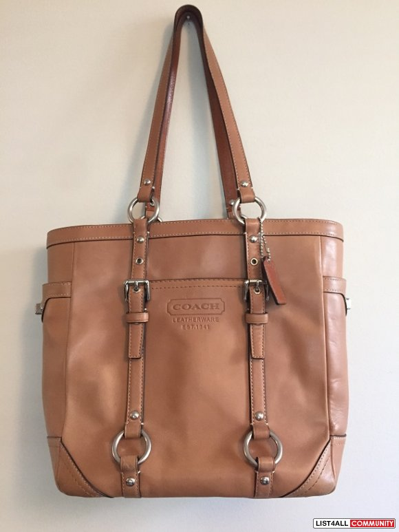 Coach Beige Tan Leather Tote Bag Purse Handbag