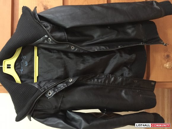 Song leather Jacket in Size Small