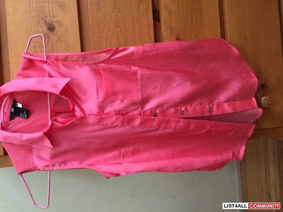 H&M pink sleeveless sheer button up top, Size 34, in hot pink