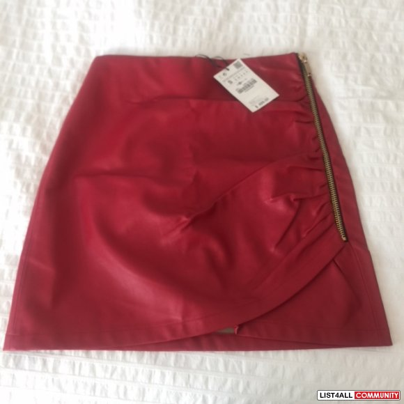 Zara skirt New size small