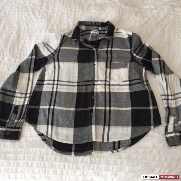 Old Navi plaid shirt Size small