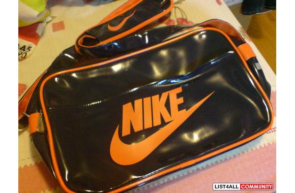 70bcceab58 Brand NEW Nike side bag    604chick    List4All
