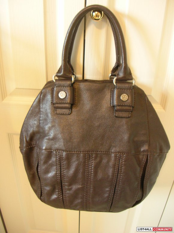 NWT United Colors of Benetton leather hand/shoulder bag