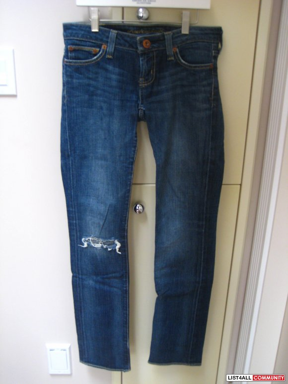 AE Straight 77 Jeans w/ Rip