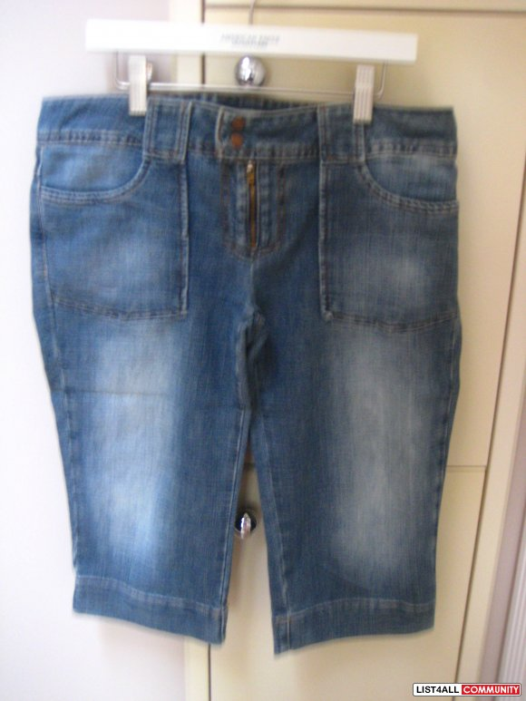 AE Jean Knee Length Shorts
