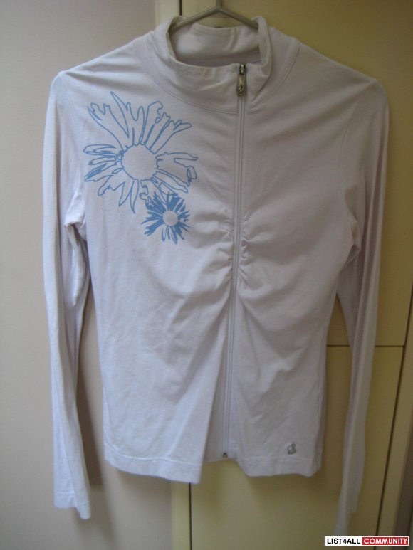 Song White Zip Up w/ Blue Flower Print