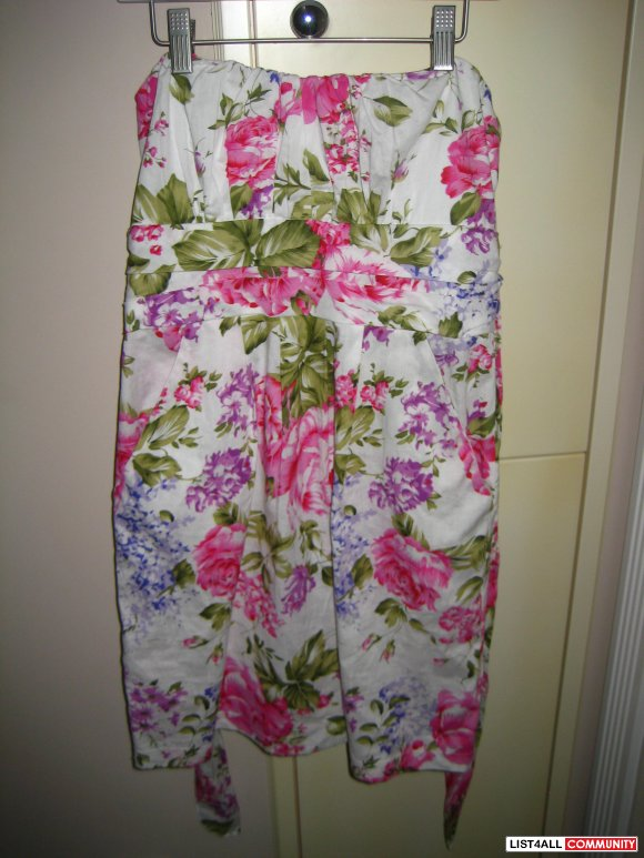 Flower Patterned Strapless Dress