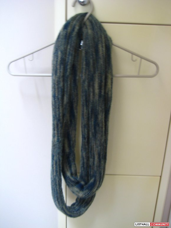 Wool Patterned Circle Scarf
