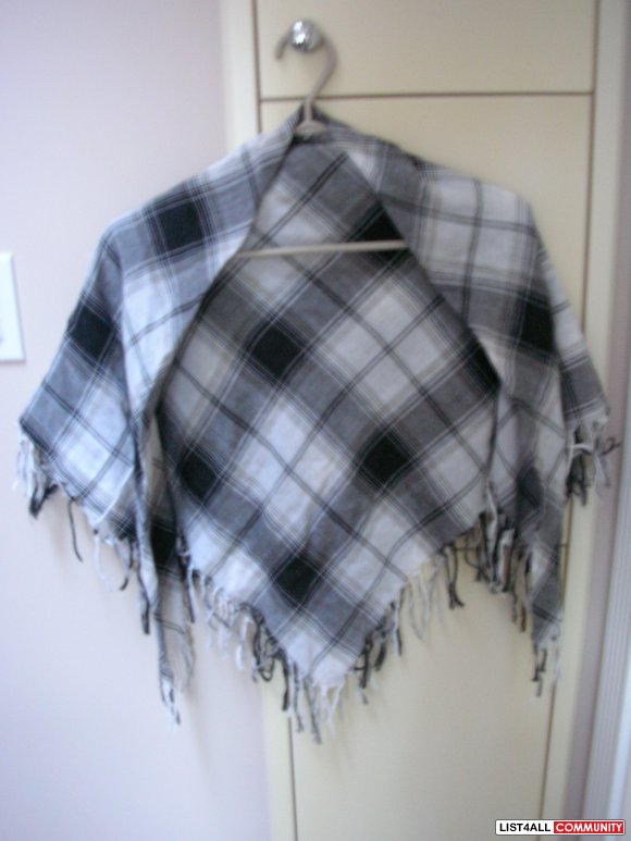 H&M Black & White Checkered Fabric Material Shawl/Scarf