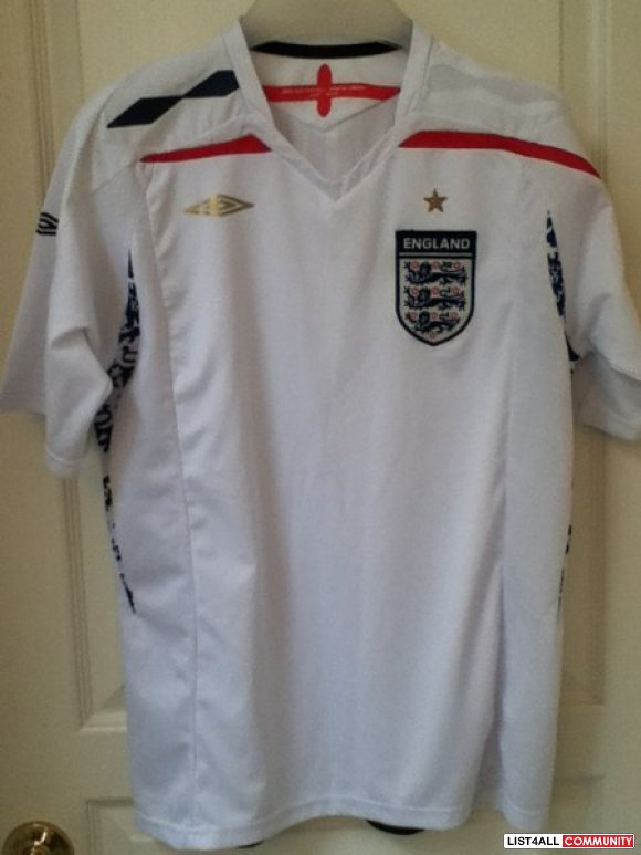 Umbro England soccer jersey NEW**