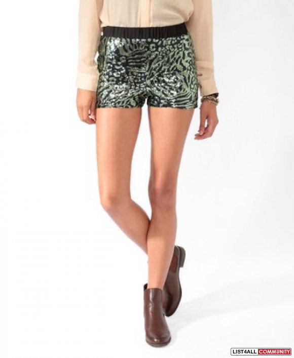 BNWT PRINTED SEQUENCE SHORTS