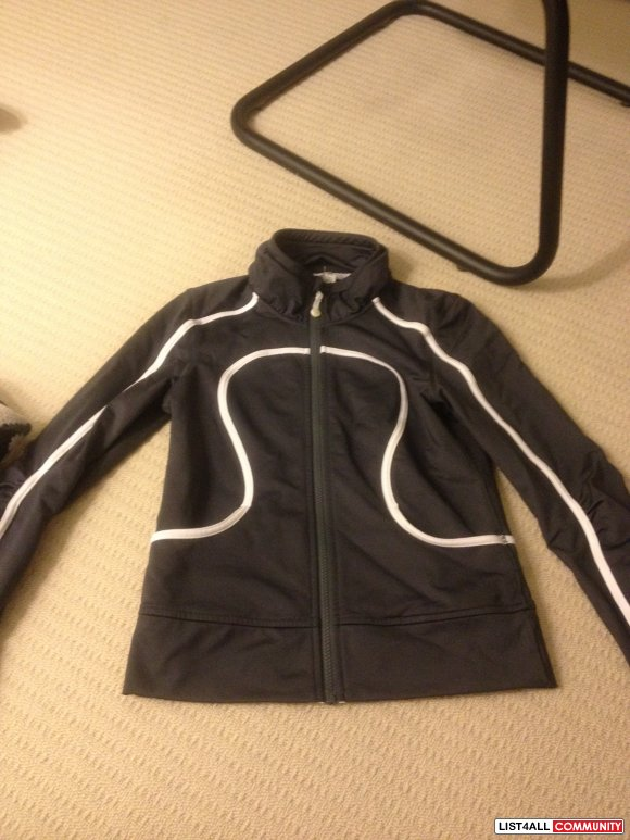 Lululemon workout jacket size 4