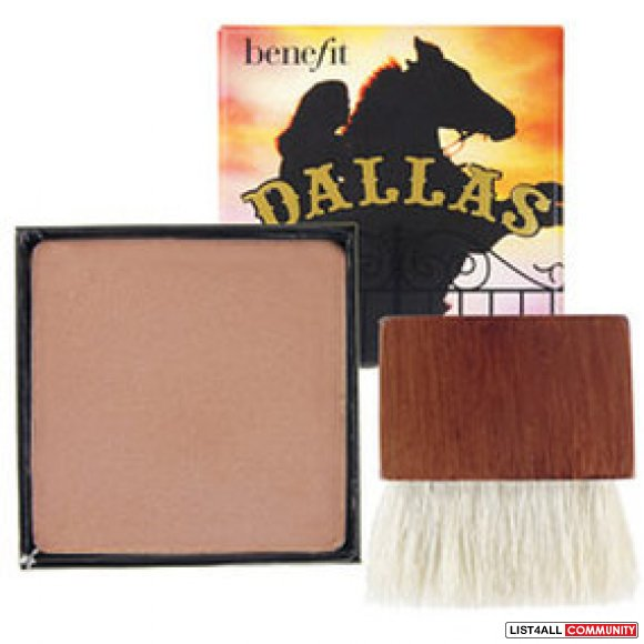 Benefit dallas - an outdoor glow for an indoor gal face powder