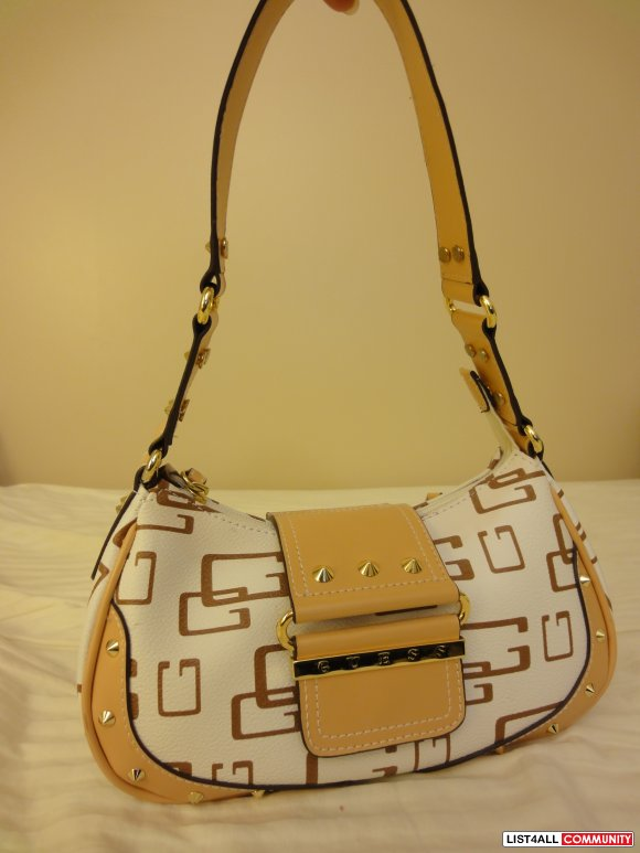 BRAND NEW - AUTHENTIC GUESS Hand Bag