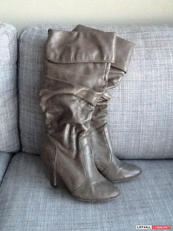 Bamboo Tulip Boots Size 7