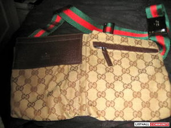 b2ff802dd58 gucci fanny pack. authentic gucci fanny pack