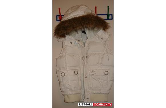 ***Brand New White Vest with fur on the hoodie***g