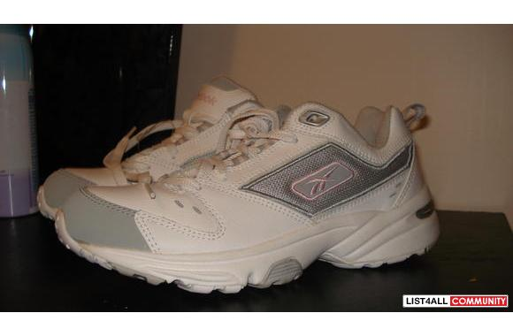 ***Brand New Reebok DMX shoes/runners***