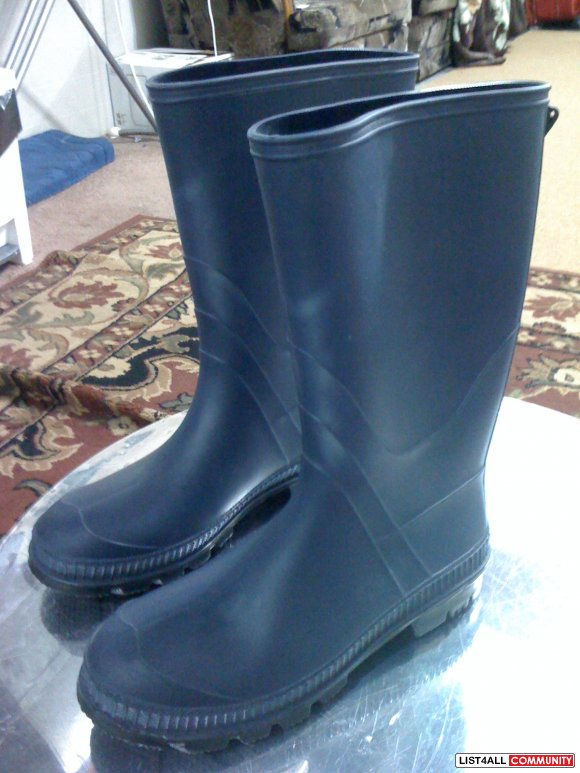 Rubber/Rain Boots --REDUCED only $8!! SOLD