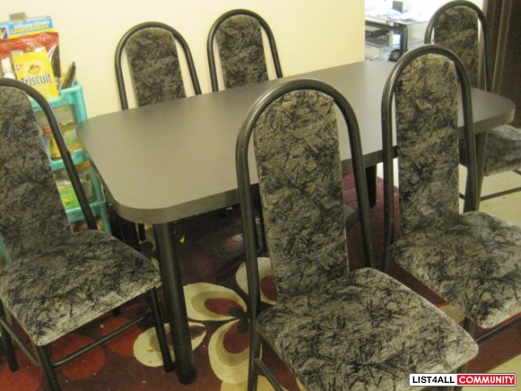 7 Piece Dining Table Set (1 Table + 6 chairs )