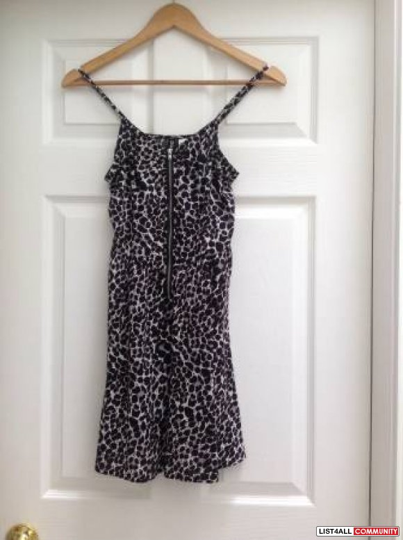 H&M Leopard Print Exposed Zipper Dress