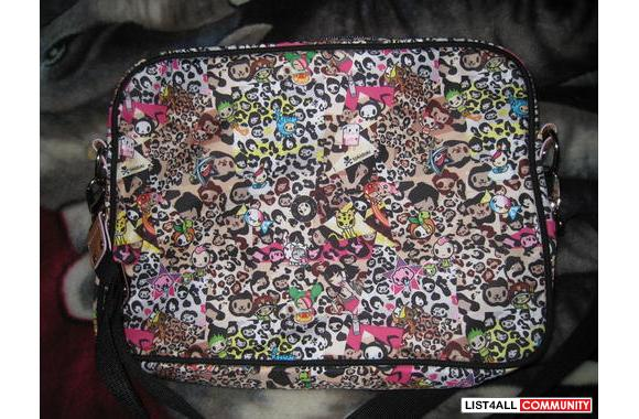Authentic BNWT TokiDoki Imagini leo Messenger Laptop bag