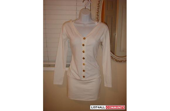 XS/S white long sleeves w. gold buttons