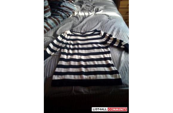 Banana Republic 3/4 sleeve stripe sweater