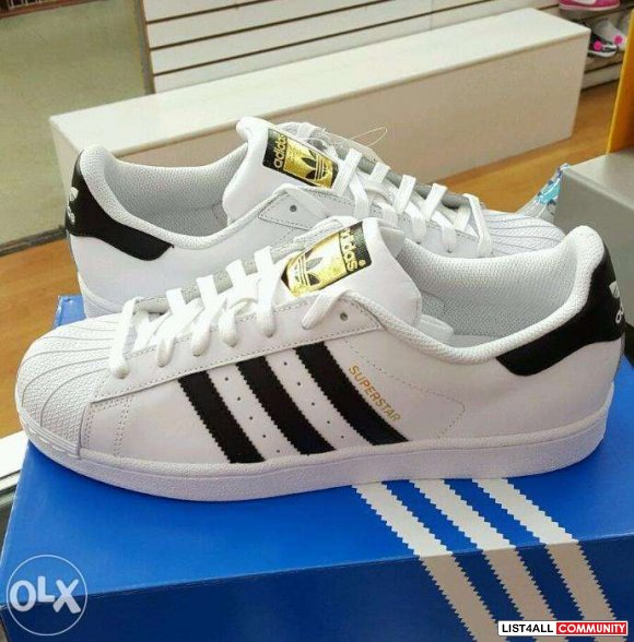 Adidas Superstar Womens Size 5.5 (fits 6 to 6.5)