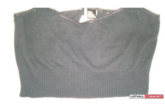 DKNY Essentials (black knit crop)size small