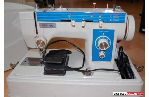 VIKING VINTAGE SEWING MACHINE (EARLY 70s)