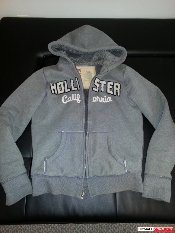 Hollister Fleece Hoodie (Men- Small)