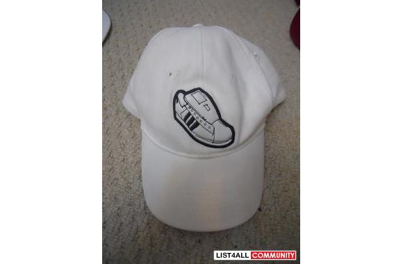 White Adidas Hat> Size L/XL> IN Good CONDITION